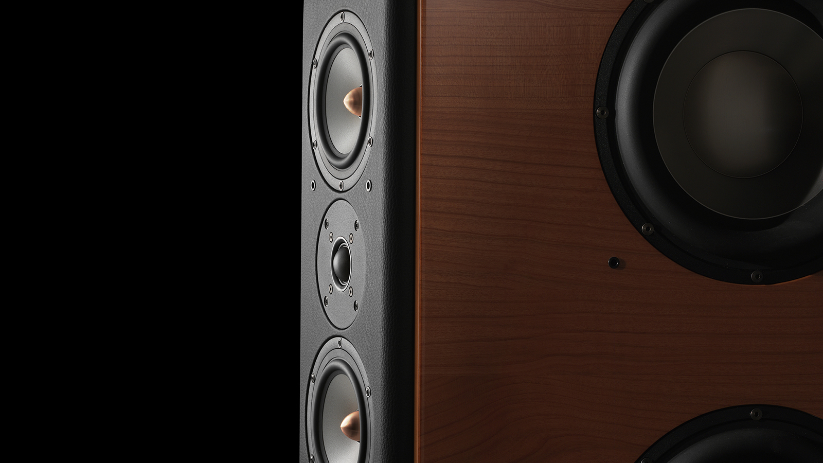 Assortiment Unison Research loudspeakers made by Opera